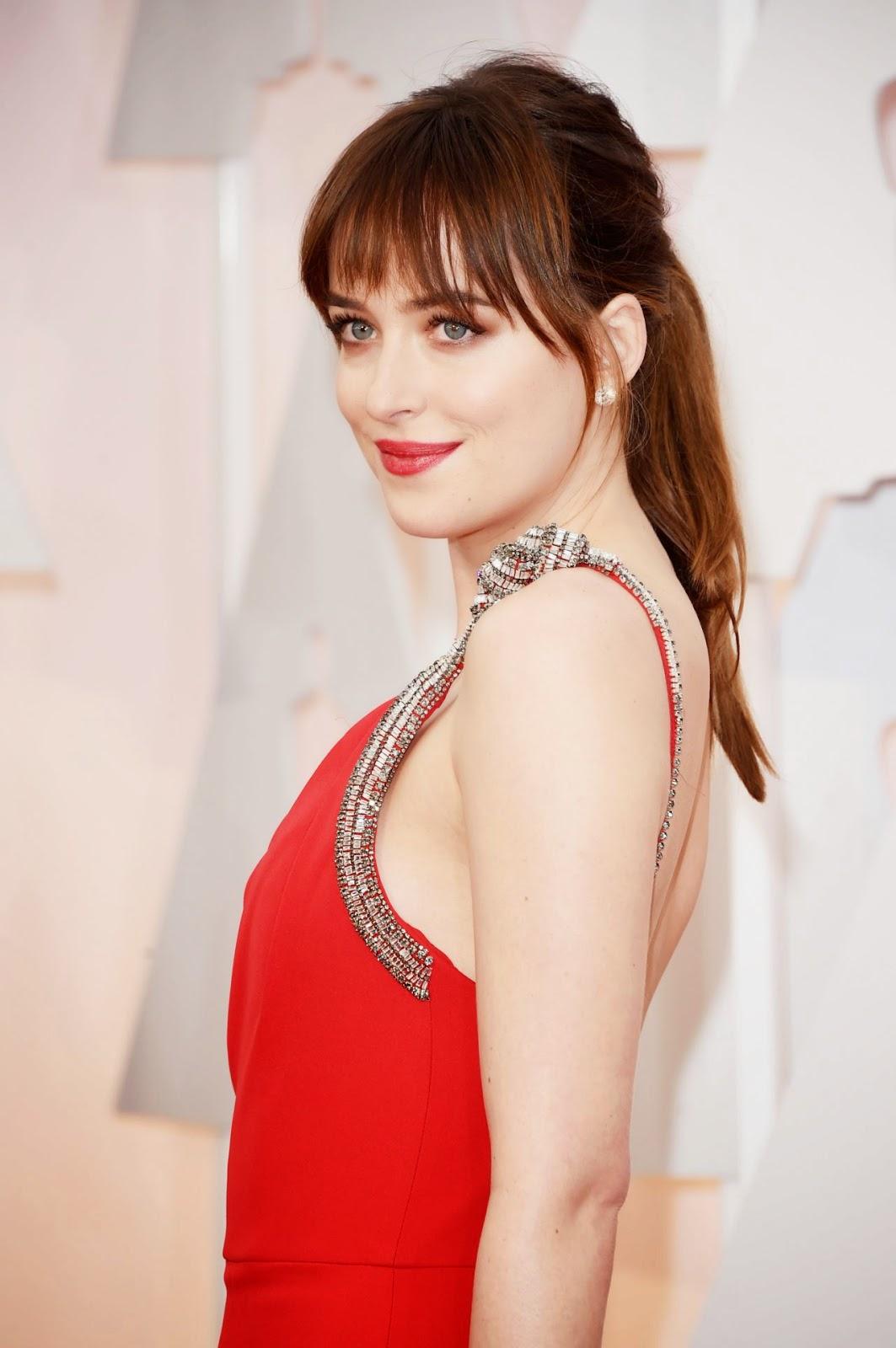 Dakota Johnson – 2015 Oscars Red Carpet in Hollywood