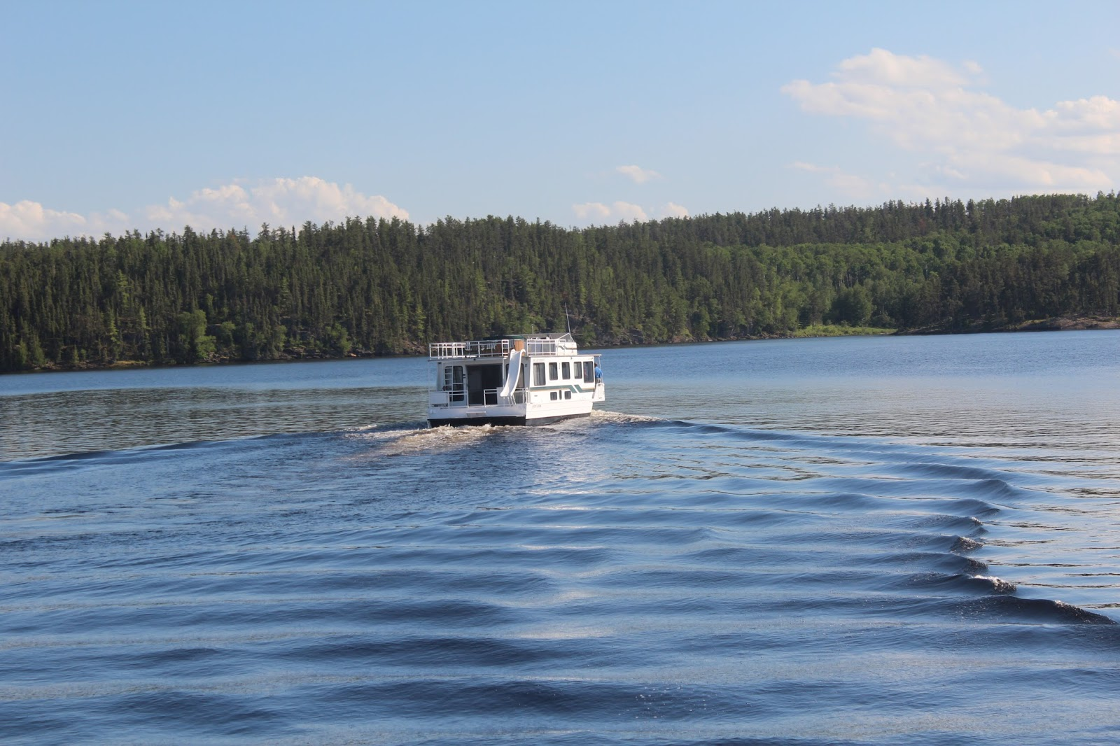 Rainy lake houseboats fishing report afg chairman ii trip for Rainy lake fishing report
