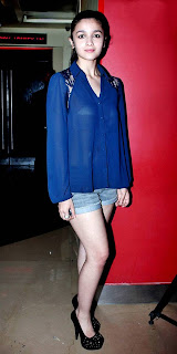 Alia-Bhatt-Skin-Show-at-Murder-3-Screening