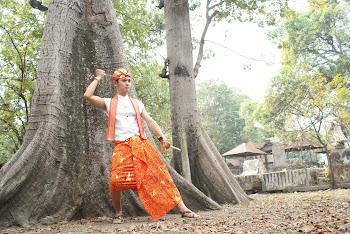 batik tulis madura bayangan oranye