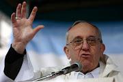 Ya no es noticia. El ex cardenal ex Jorge Bergoglio es ahora Sumo Pontífice. fotonoticia