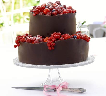 orange_berry_wedding_cake