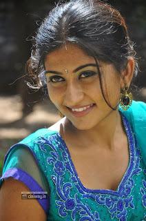 Actress-Akshaya-Stills-at-Adi-Lekka-Movie-Trailer-Launch