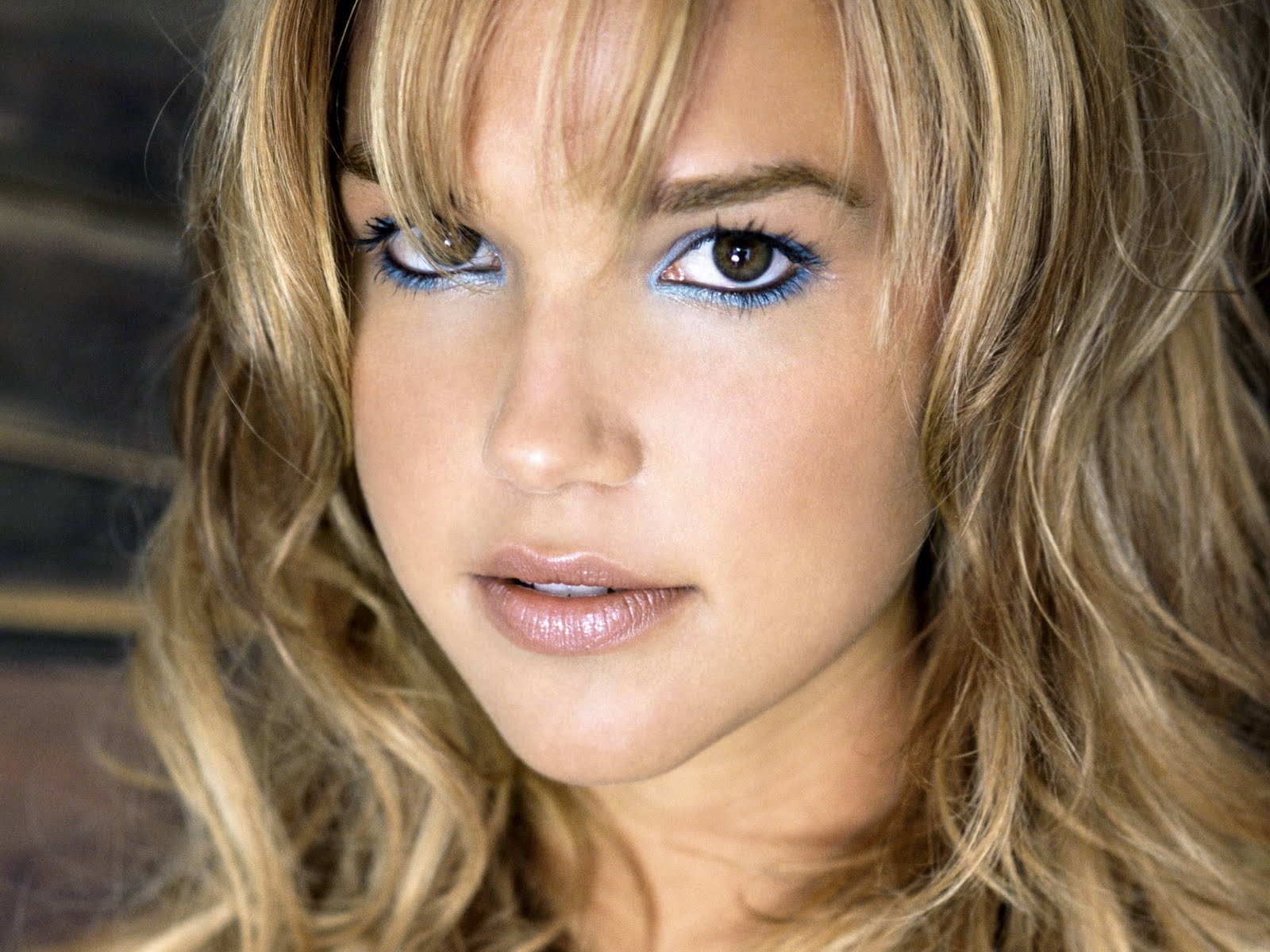Hot Arielle Kebbel S Wallpapers World Amazing Wallpapers