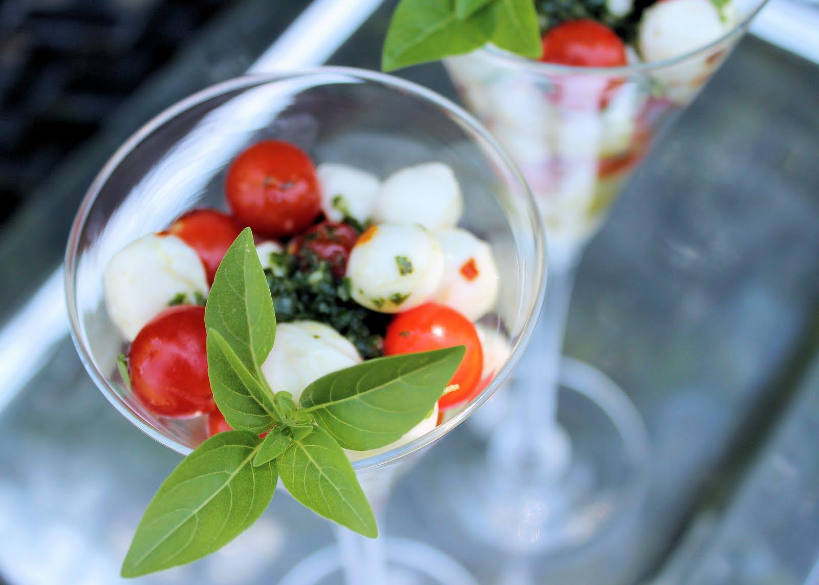 Savoir Faire: Mini Caprese Salad