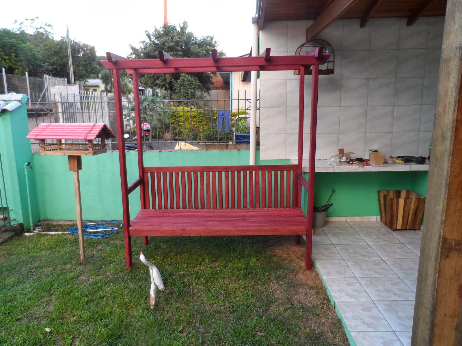 KAB Móveis Rústicos em Madeira: Pergolado com banco em madeira #783B35 1600x1200