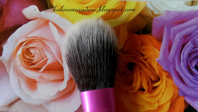 http://www.dresslink.com/aluminum-powder-blush-makeup-brushes-essential-cosmetic-tools-face-foundation-brushes-p-28001.html?utm_source=blog&utm_medium=cpc&utm_campaign=Zofia542
