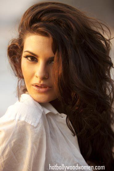 Hot Jacqueline Fernandez Photos -Murder 2