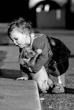 Ser pequeño no impide a ayudar a otros .