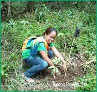 ALS IM Camporazo planting a tree