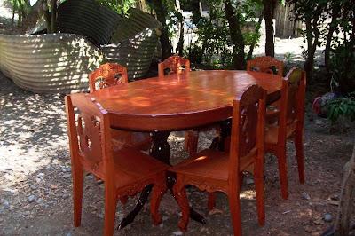 Comedor de cedro: sillas y mesa