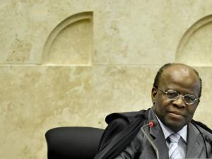 Proposta de resolução foi feita pelo presidente do CNJ e do Supremo Tribunal Federal (STF), ministro Joaquim Barbosa (Foto: Agência Brasil)