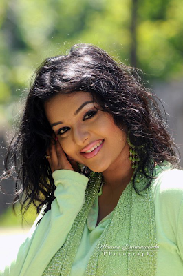 sri lankan actress oshadi hot