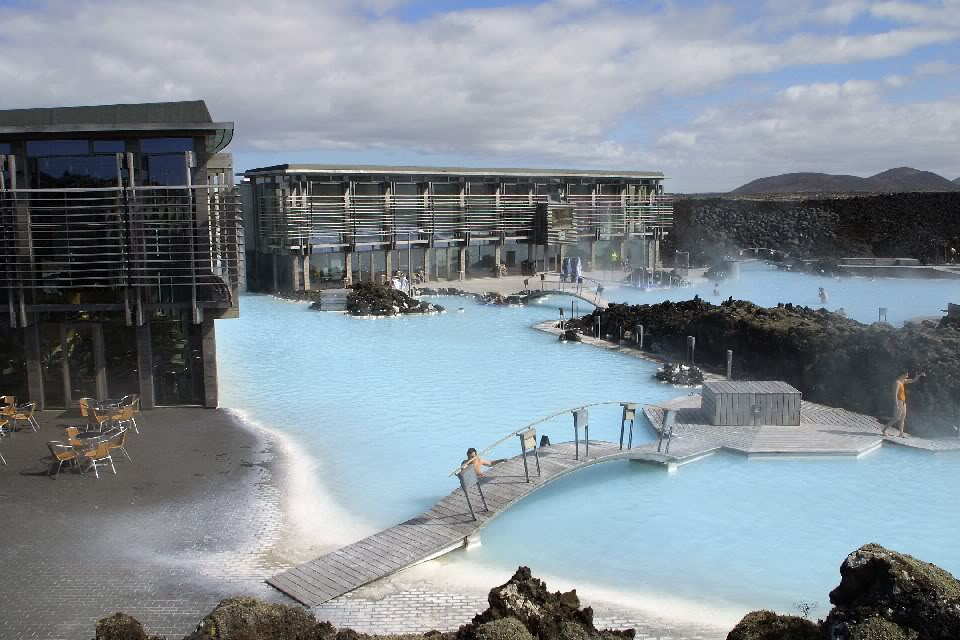 Blue lagoon iceland tourist destinations for Iceland blue lagoon hotel