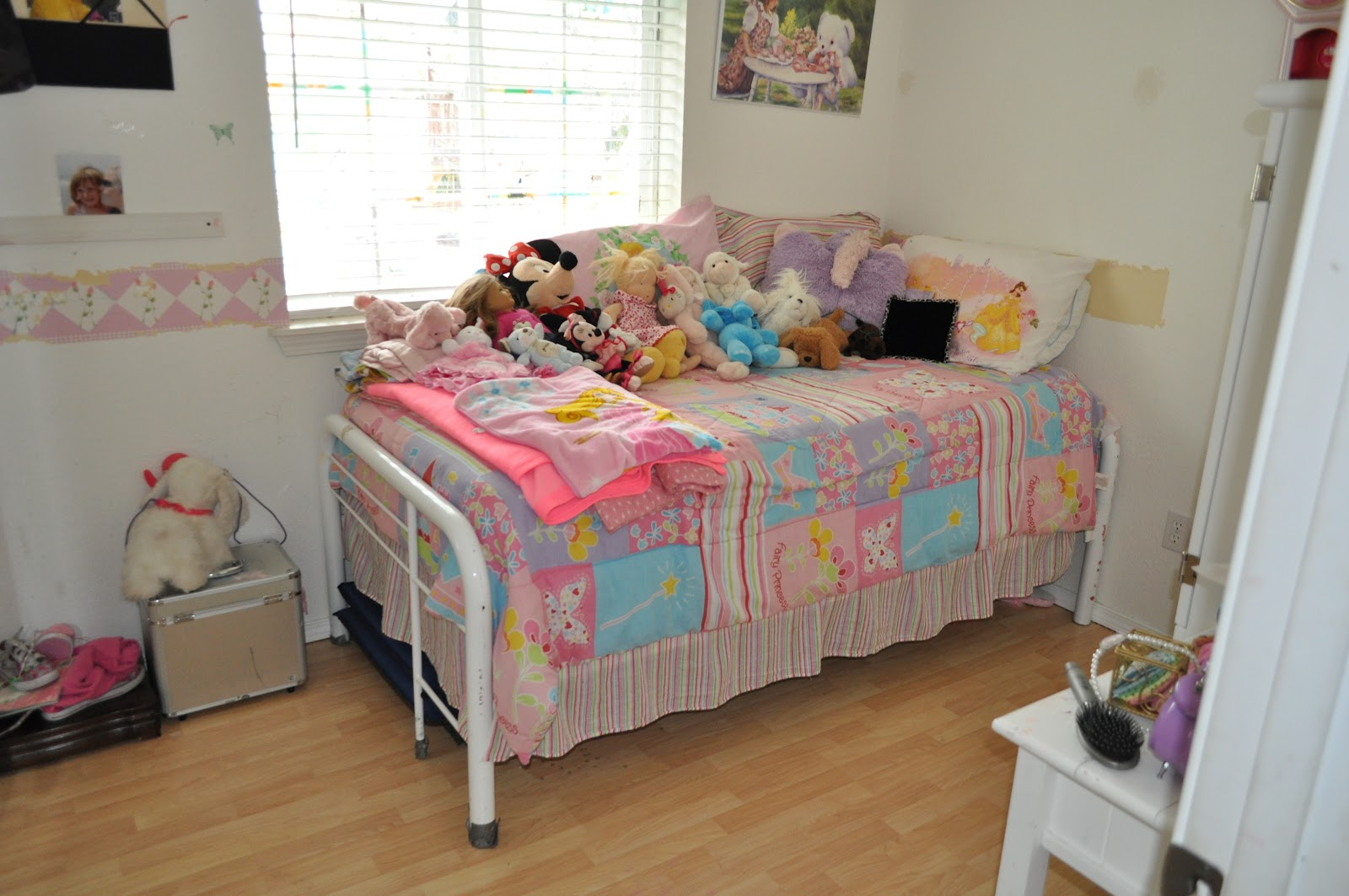 Roxy Bedding Samantha - Samantha age 7 has been complaining that her room was too little girlish she said princess is for little girls and i m a big girl now