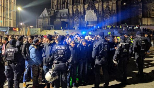 Η αστυνομία της Κολωνίας έλεγξε εκατοντάδες «πρόσφυγες» την παραμονή της Πρωτοχρονιάς
