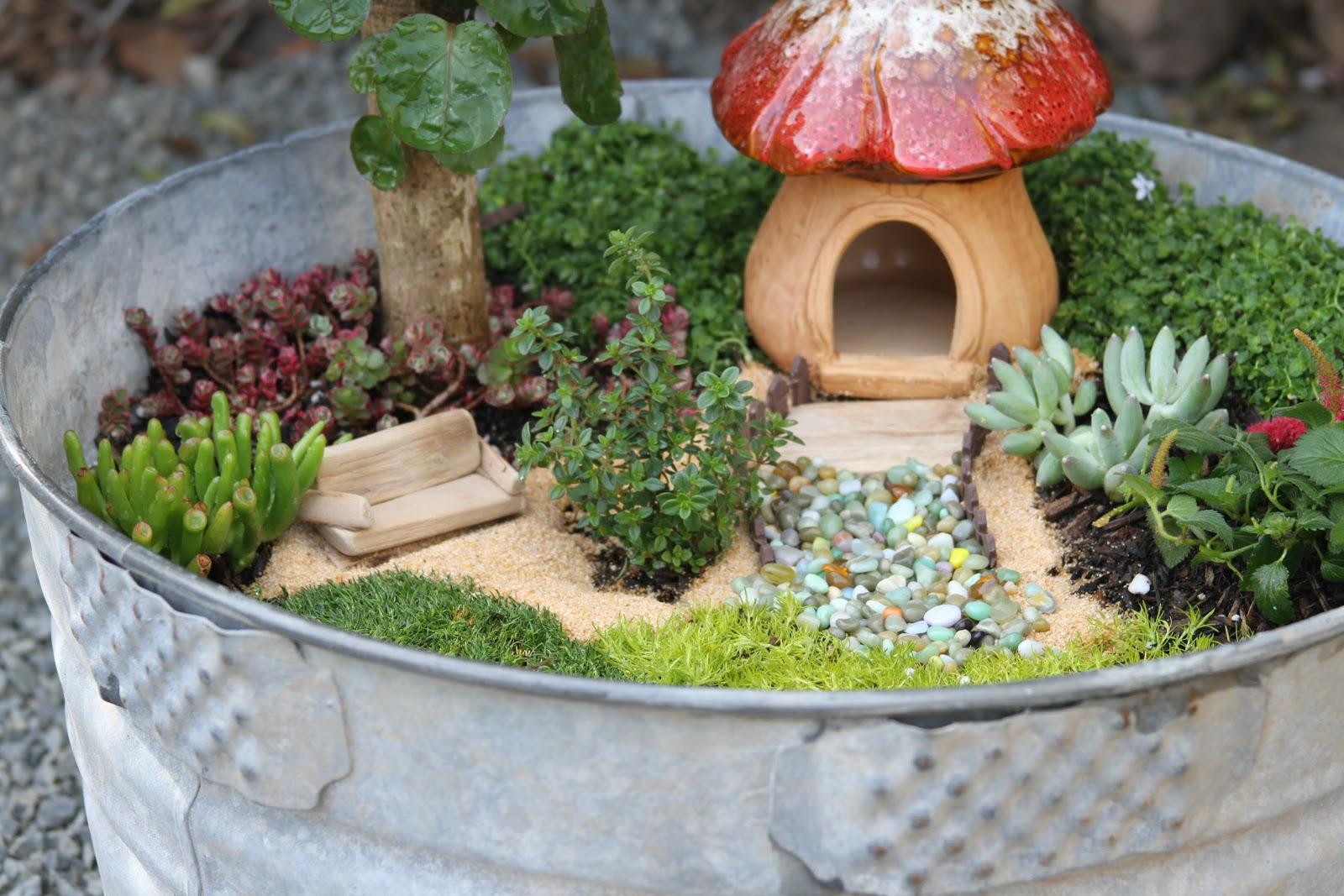 aidie 39 s hideaway diy fairy garden. Black Bedroom Furniture Sets. Home Design Ideas
