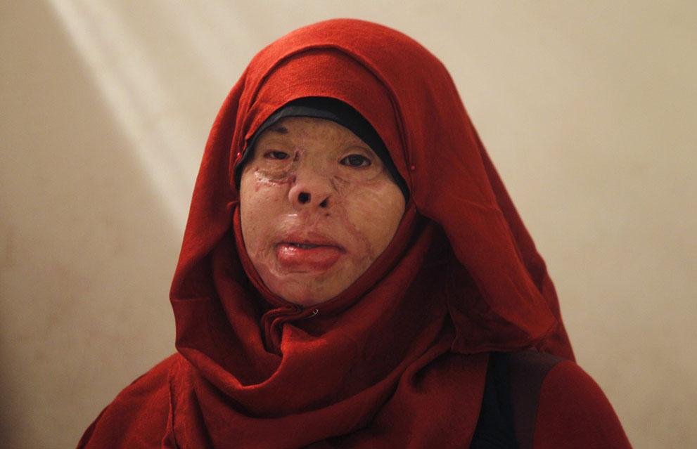 """""""Phá trinh"""" nữ tử tù trước khi hành hình ở IRAN 5"""