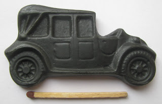 Vanhat autot salmiakkikuvio (Oldtimer dropfiguur)