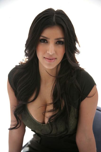 Kim Kardashian sensual