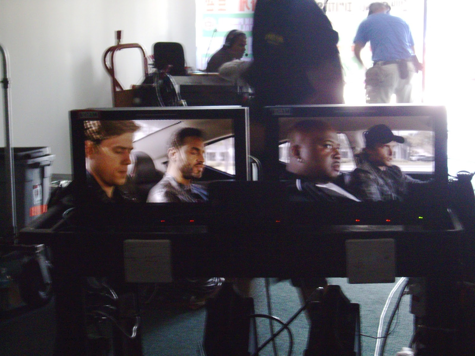 Aaron Tveit (Mike Warren) and Daniel Sunjata (Paul Briggs) in the back