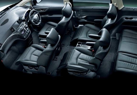 Interior Nissan Elgrand 2015