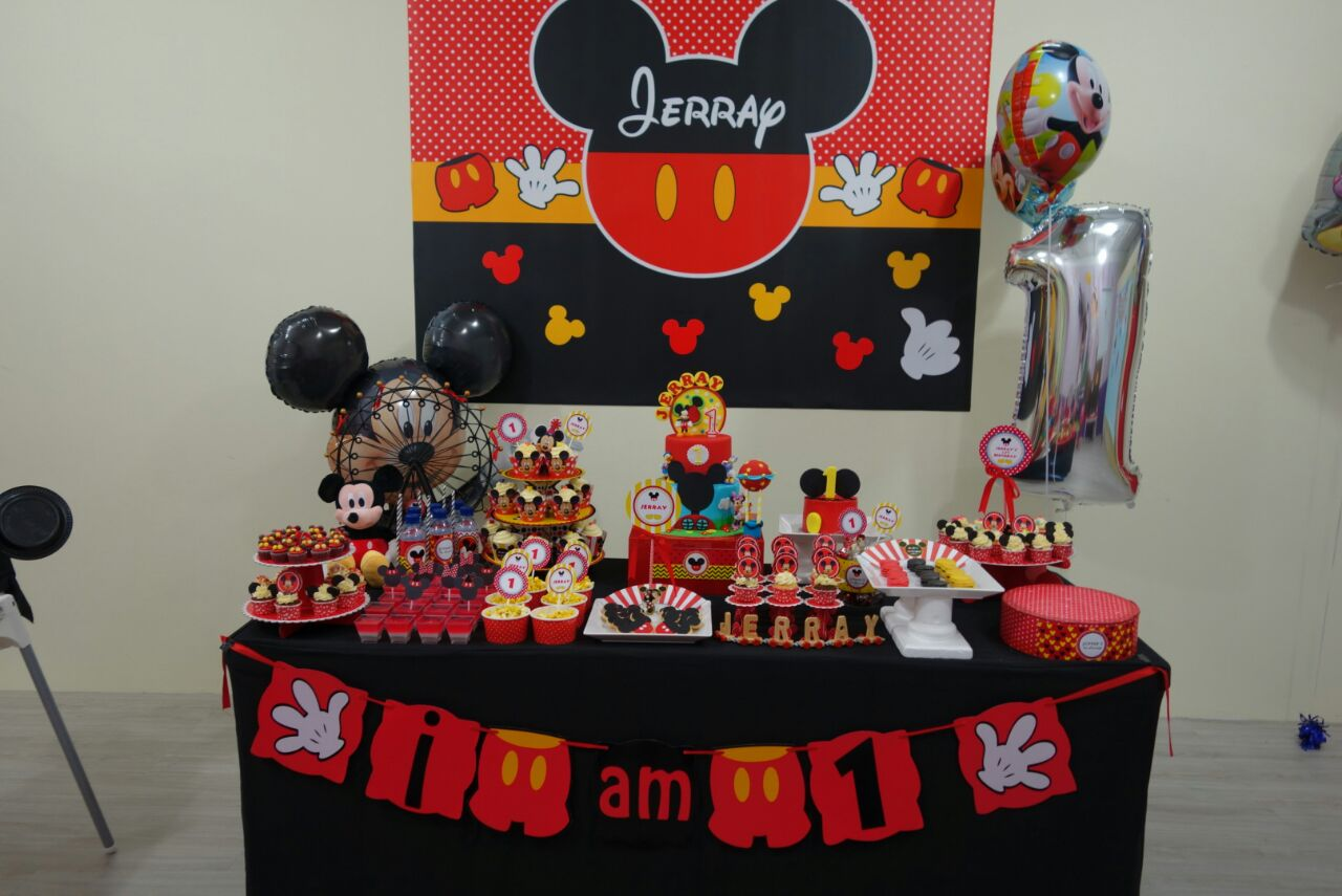 Mickey Mouse Table Set Up u0026 Mickey Mouse Clubhouse Birthday Party & Breathtaking Mickey Mouse Clubhouse Table And Chairs Pictures - Best ...