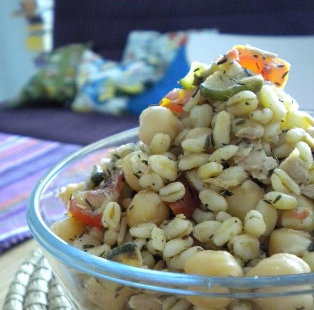 A casa nostra ci piace cucinare insalata di grano al timo con ceci zucchine e tonno - Ci piace cucinare ...