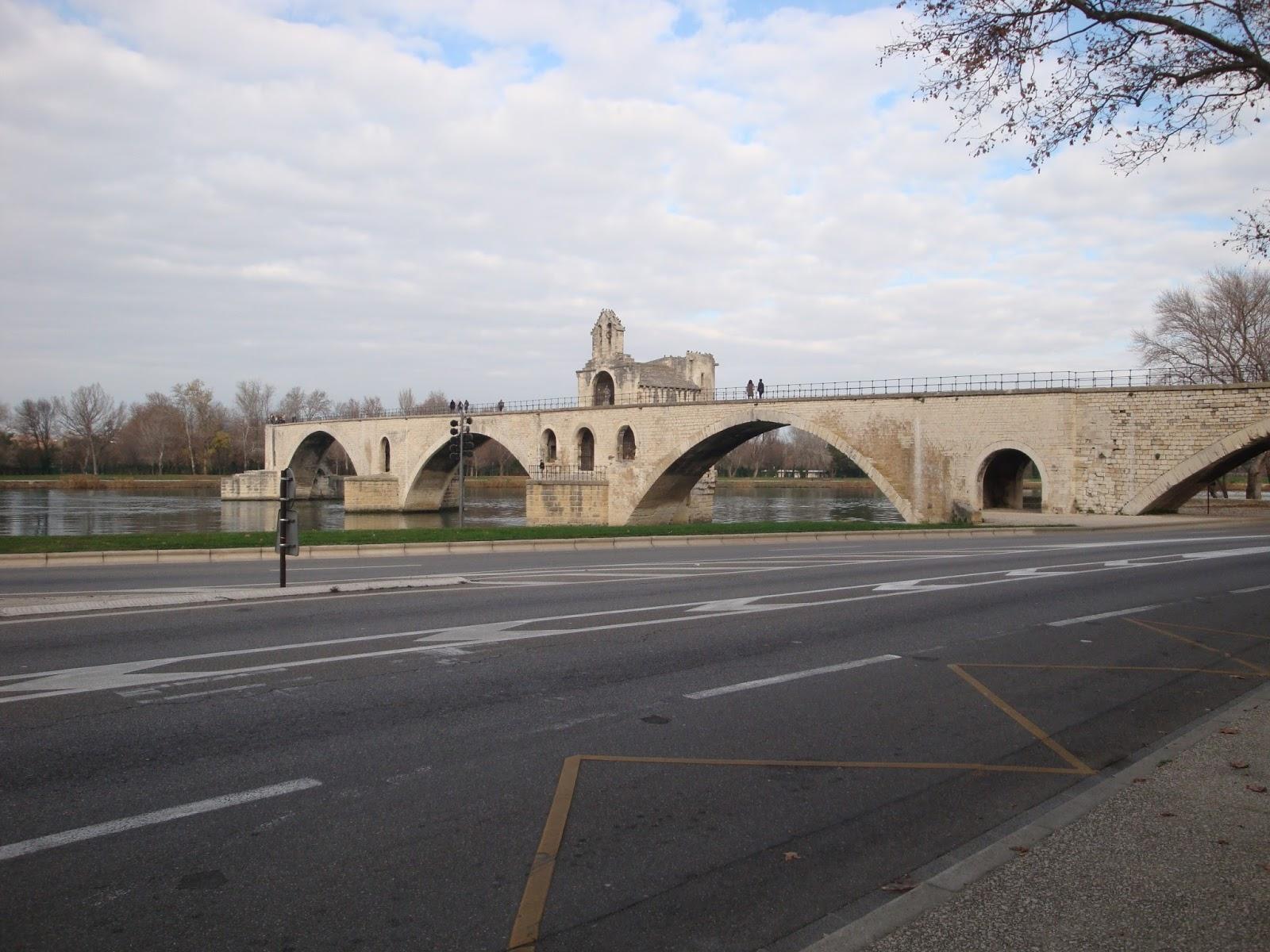 pont duavignon saint bnezet with vivre avignon
