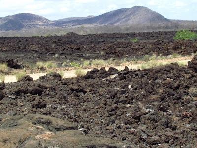 tsavo west, africa, kenya, paisatge volcànic, paisaje volcánico