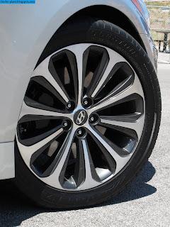 Hyundai accent car 2012 tyres/wheel - صور اطارات سيارة هيونداى اكسنت 2012
