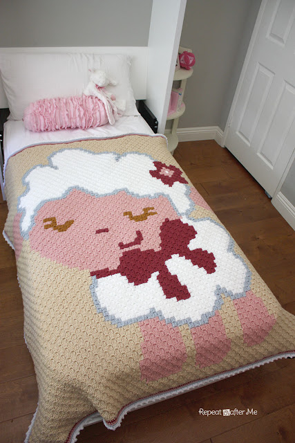... happy accident! This C2C graphgan fits perfectly on a twin size bed