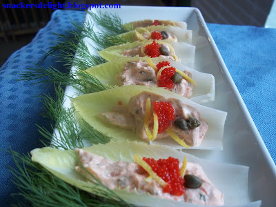 SnackersDelight.blogspot.com Endive Boats with Salmon