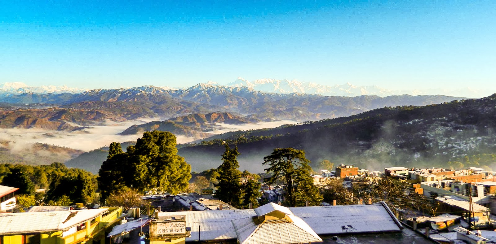 Serene Ranikhet under a blanket of Snow || Snowfall in ...