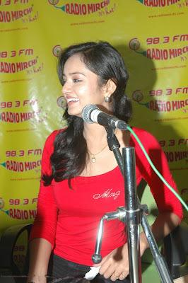 shanvi at 98.3 fm station