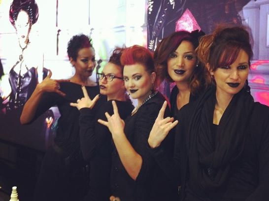 An Ordinary Day for Sue Ellen - Make Up Artist  in M.A.C Cosmetics Paris