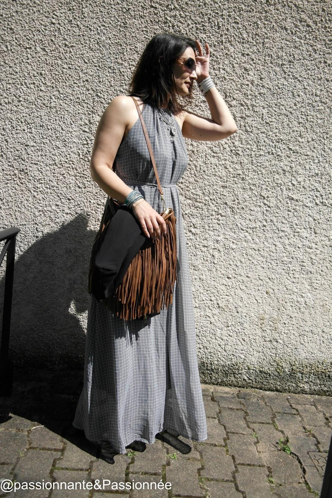 Porter une robe longue