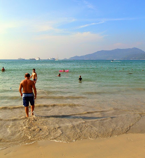 Patong Beach Activities 1