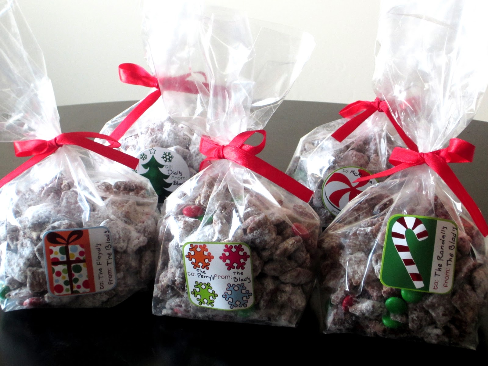 Christmas Muddy Buddies - Love to be in the Kitchen