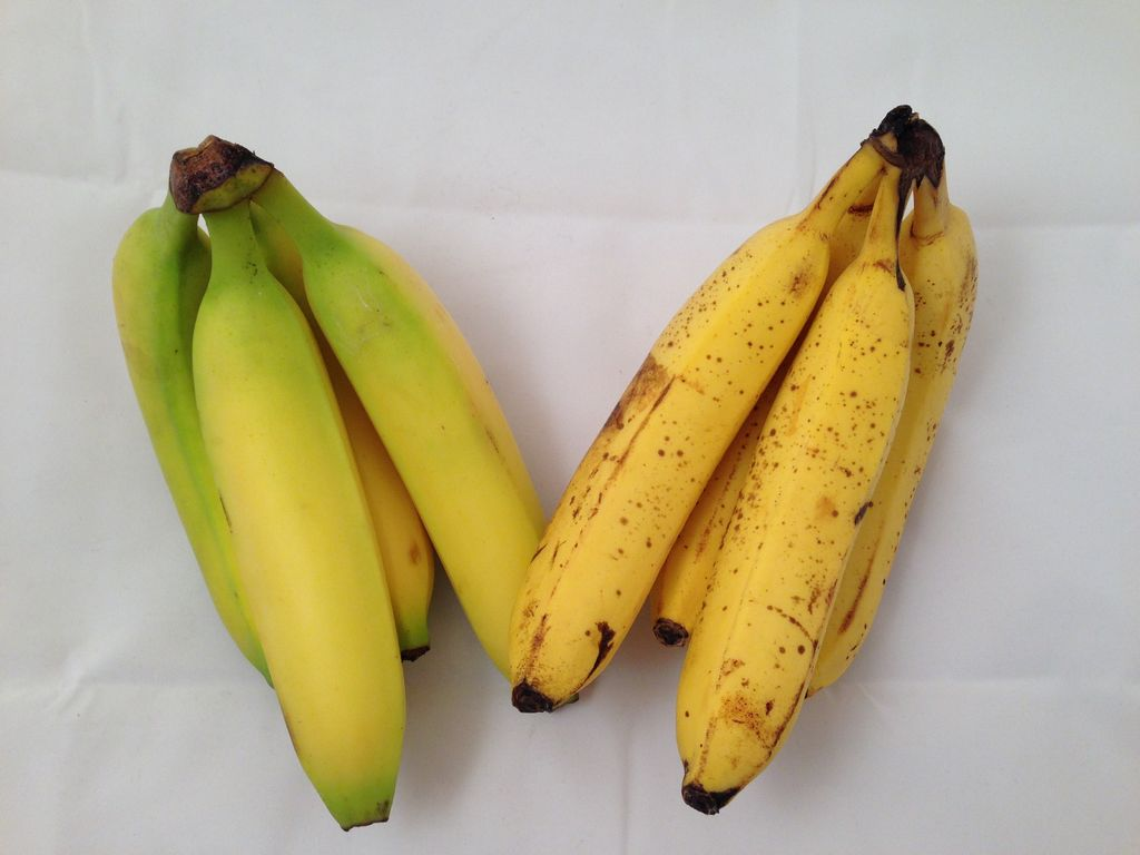 IDEAS and DECOR: Keep Bananas Fresh Longer