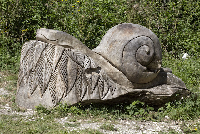 Wooden snail statue, probably representing a Roman Snail. We saw one nearby.  Orpington Field Club visit to Lullingstone Country Park.  13 August 2011.