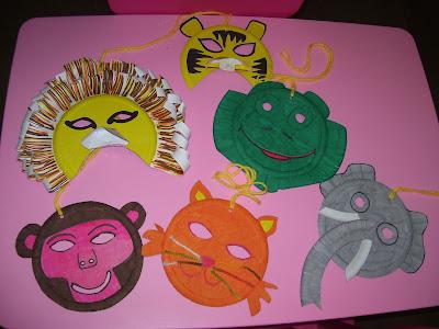 maschere di carnevale fai da te - lavoretti per bambini per carnevale - giovedi e martedi grasso - come riciclare piatti di carta - laboratori per bambini