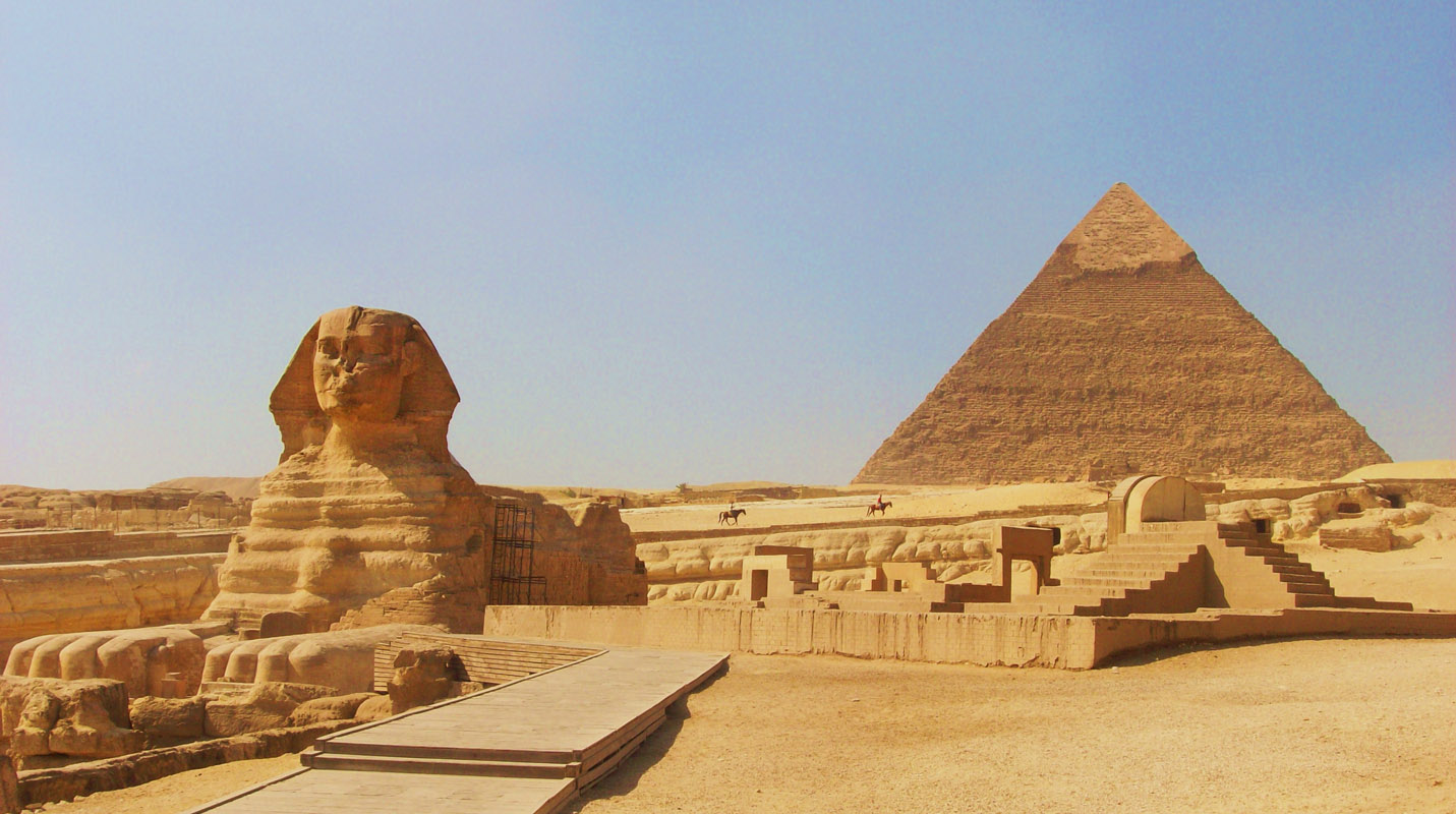 http://2.bp.blogspot.com/-gsvHQ4r0IgY/TsUJQF-5z4I/AAAAAAAAFDg/zSwLI9tyqgY/s1600/egypt+7+wonders+of+the+world+photo.jpg
