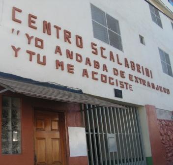Tijuana noticias colecta a favor de la casa del migrante for Mural de la casa del migrante