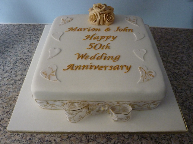 Simple Anniversary Cake Images : Wedding Pictures Wedding Photos: 50th Wedding Anniversary ...