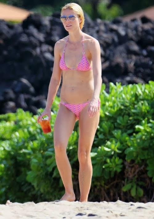 English: Gwyneth Paltrow Pink Bikini Tattoo Hawaii