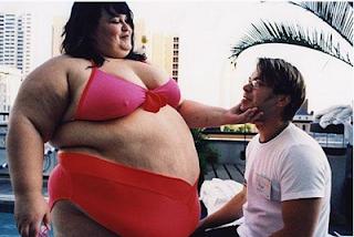smešna slika debela žena se udvara dečku