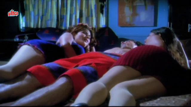 Divya Diwedi Rinku Ghosh Hot Bed scene In HD