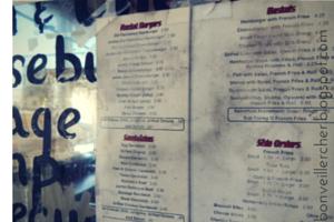 Fearless Finds: Rocket Drive Inn -- a blast from the past burger joint in Jennings, Louisiana -- bonveillercher.blogspot.com
