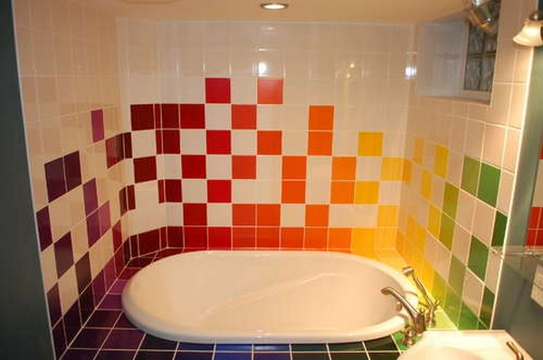 Home interior and exterior design rainbow tiles paint - Ideas para pintar azulejos bano ...